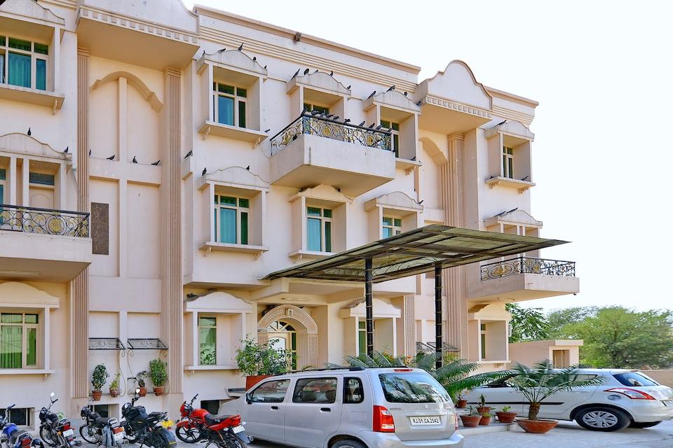 OYO 8051 Hotel Yesh Palace