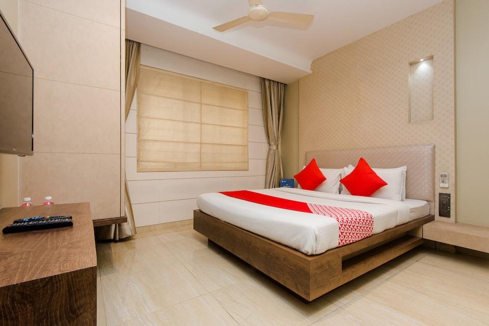 Capital O 8069 Hotel Pratiksha Residency
