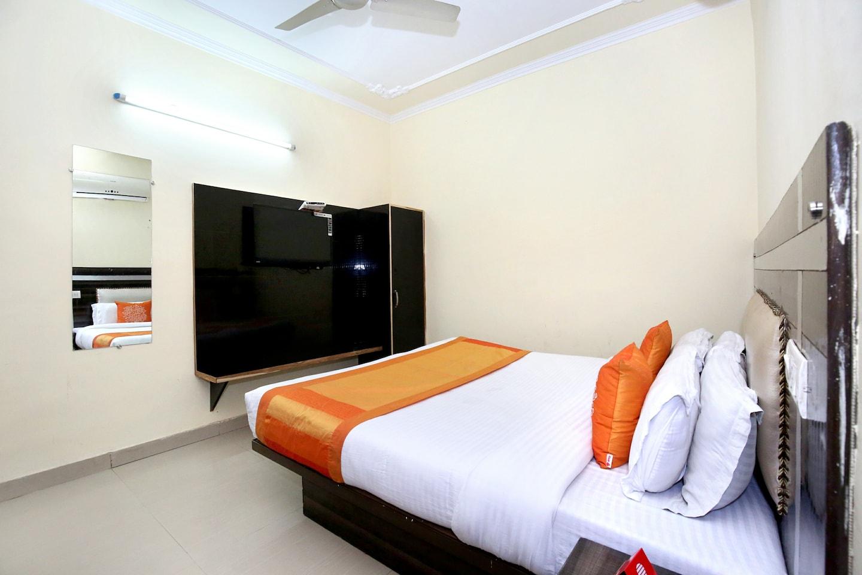 OYO 8073 Grand Residency -1