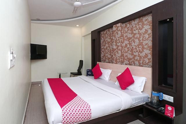 OYO 8074 Hotel G 9