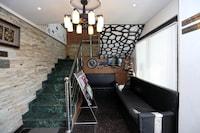 OYO 8077 Hotel Madhuban