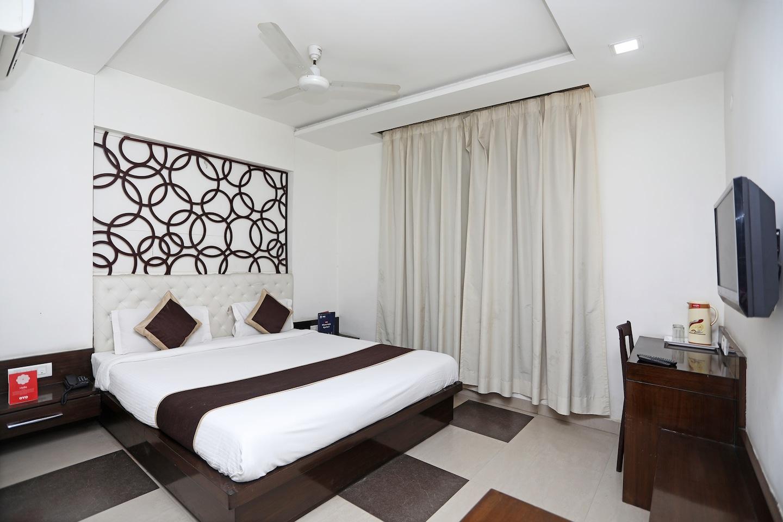 OYO 8095 Hotel Areeba -1