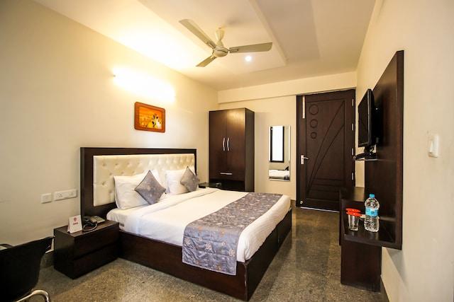OYO Rooms 706 Near Medanta Hospital