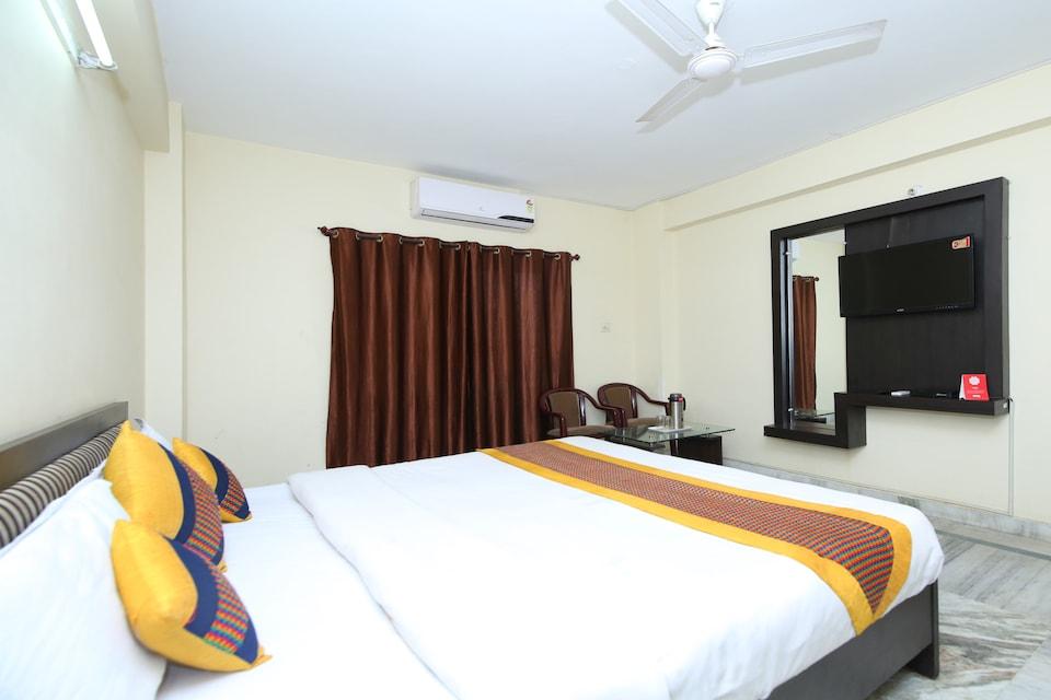 OYO 8170 Hotel Datt Residency