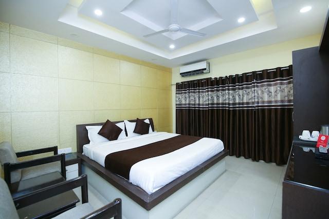 OYO 13063 Hotel Rahul