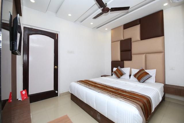 OYO 9857 Hotel Suryaa