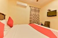 OYO 8214 Malabar Plaza Residency 1