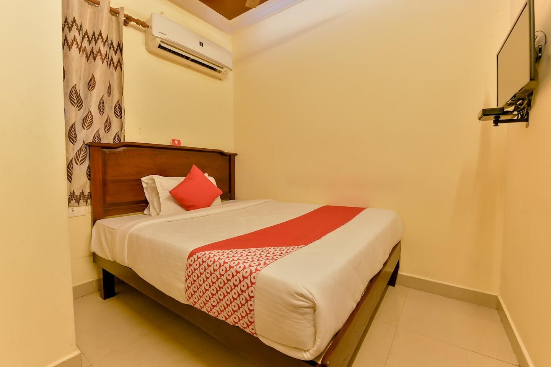 OYO 8214 Malabar Plaza Residency 1 -1
