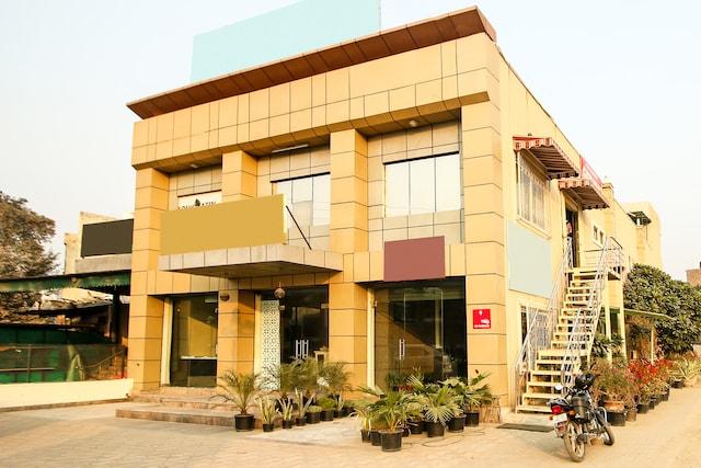 OYO 8240 Golden Park Palam Vihar