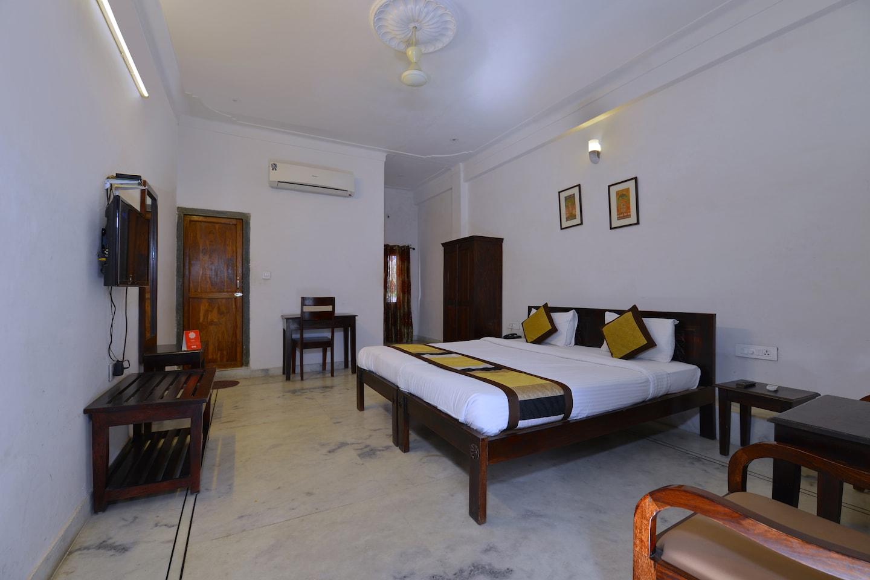OYO 1159 Hotel Chandra Prakash -1