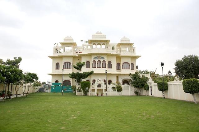 Oyos In Chunda Palace  Booking Starts    U20b9696  Night