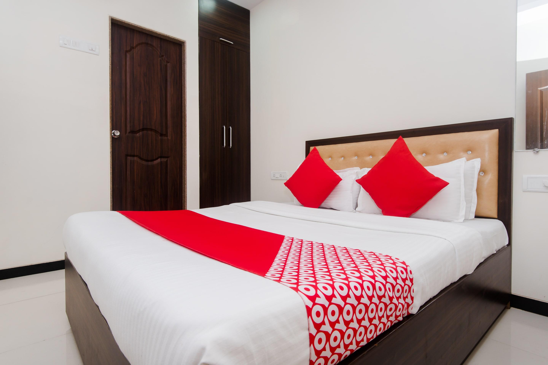 OYO 8298 Zee Residency
