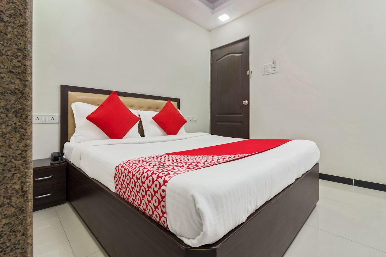 OYO 8298 Zee Residency -1