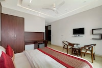 OYO 8332 Roseate Villa