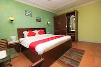OYO 8367 Hotel The Woodz