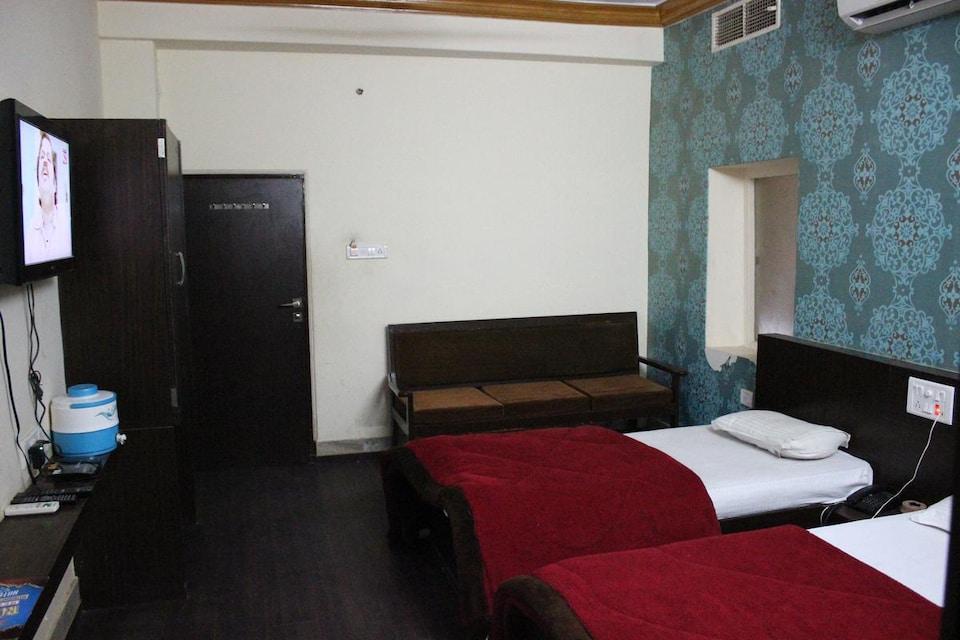 OYO 8377 Hotel Prince Palace