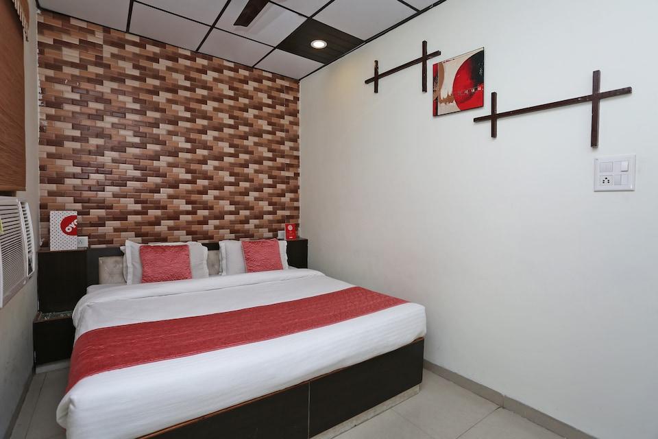 OYO 8394 Hotel SP Klassic
