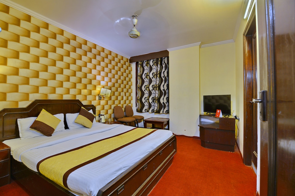 OYO 8412 Hotel Maharani Prime