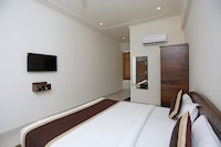 OYO 8425 Hotel Shiv Palace