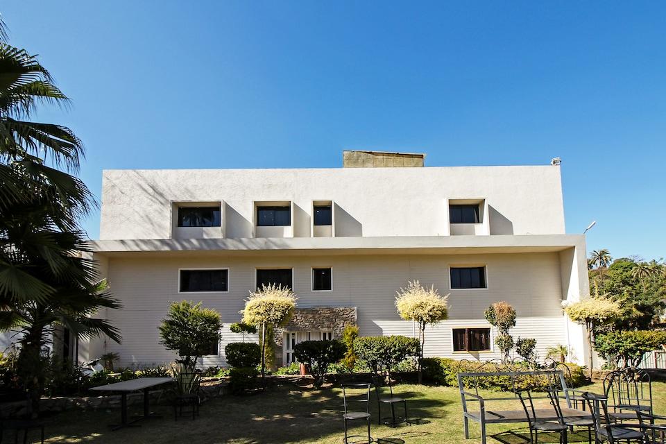 OYO 8428 Achalgarh Fort