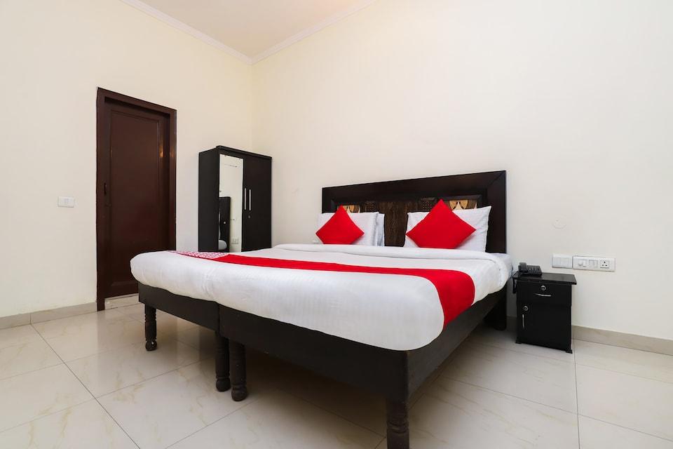 OYO 8467 Hotel Shiv Shakti Inn