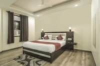 OYO 725 Wow Inn