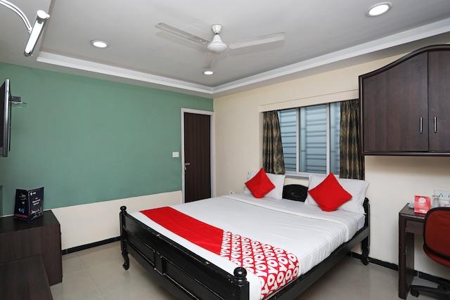 OYO 8504 Namans Inn