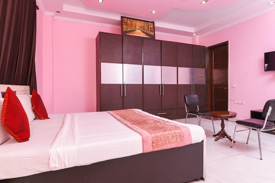 OYO 8534 Paradise Inn DEL728, Paschim Vihar Delhi, Delhi