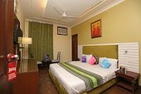 OYO 8535 Hotel Mayarch