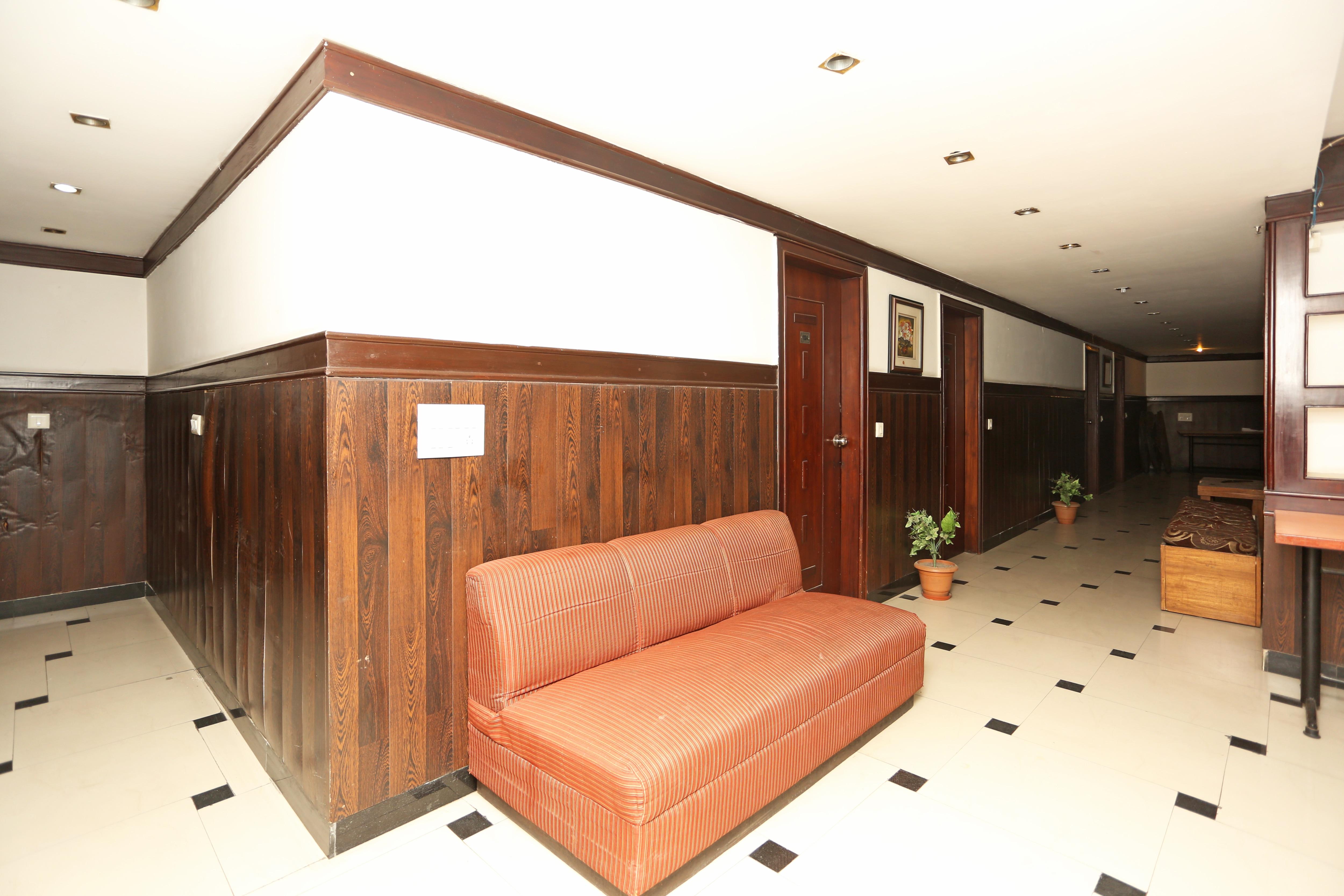 Oyo 8826 Hotel City Garden Ghaziabad Hotel Booking - Reviews, Room ...