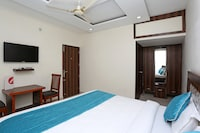OYO 8590 Hotel Sea