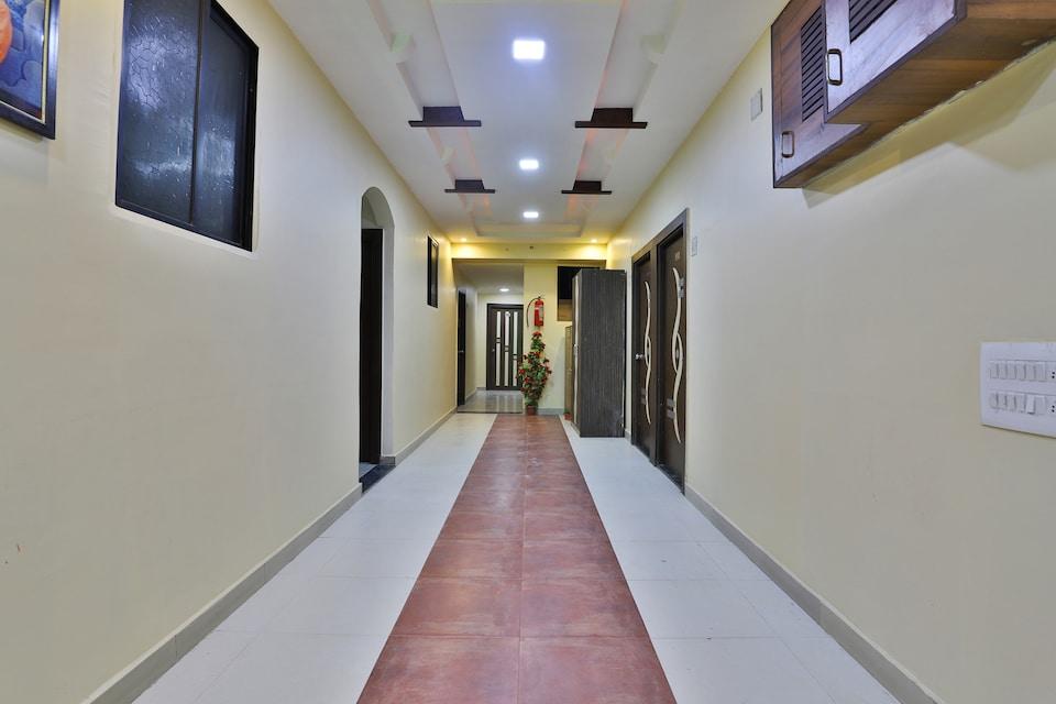 OYO Spot on  8592 Hotel Paras Palace