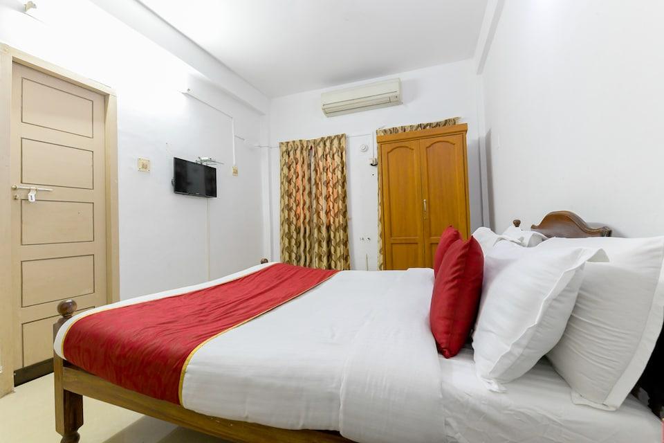 OYO 6712 Hotel Malabar House