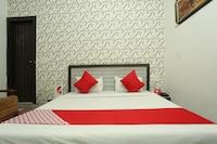 OYO 8607 Hotel Sky Inn