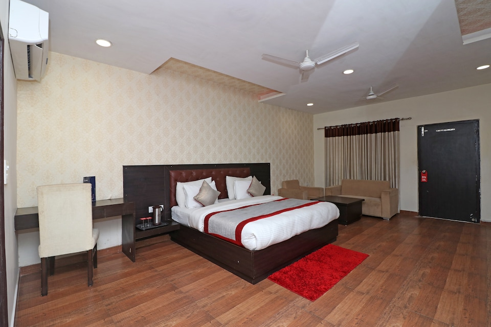 OYO 8620 Sparsh Hotels and Resorts