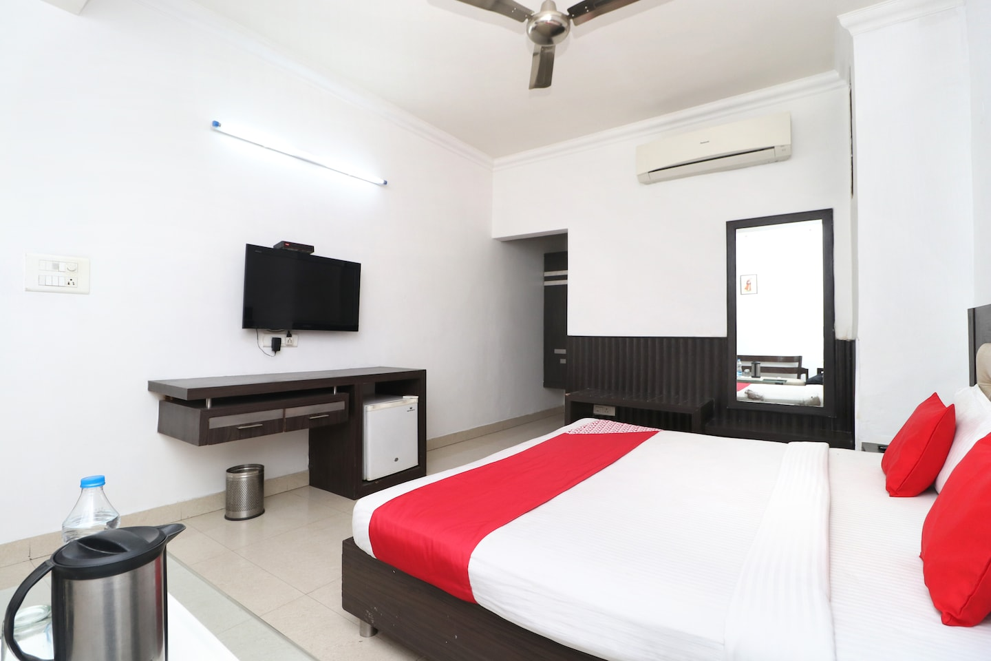 OYO 8627 Hotel Space -1