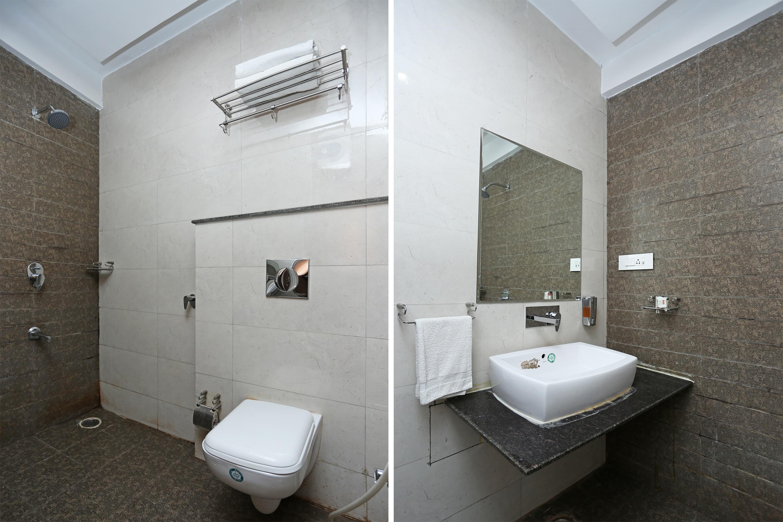 OYO 8650 Hotel Johri Residency