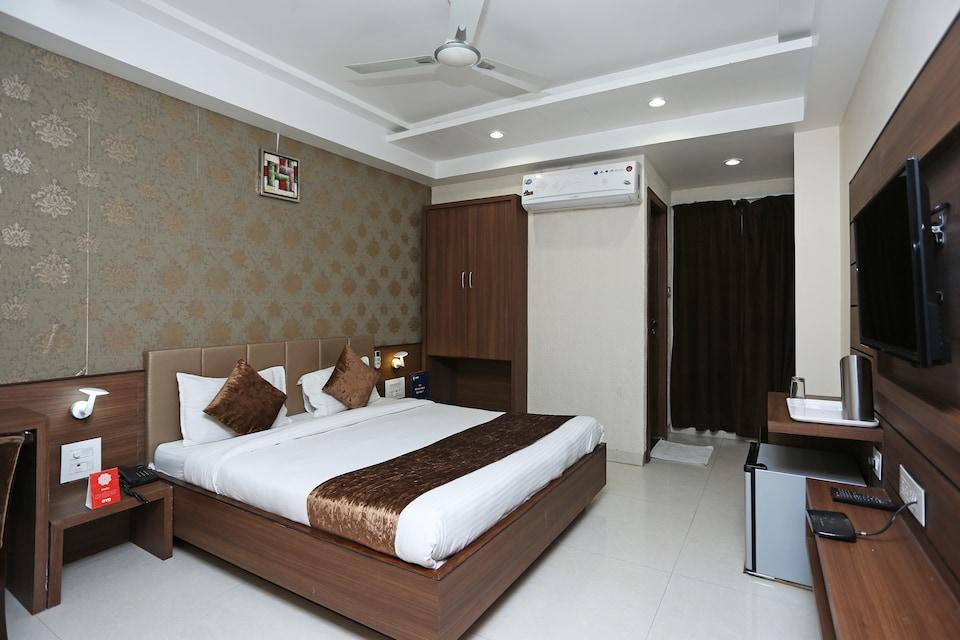 Capital O 8650 Hotel Johri Residency