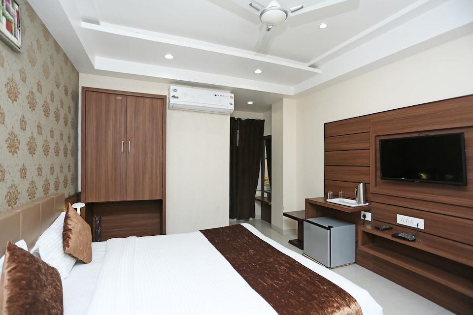 Capital O 8650 Hotel Johri Residency, New Market Bhopal, Bhopal