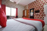 OYO 8653 Achus Inn