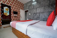 OYO 8653 Hotel Achus Holidays