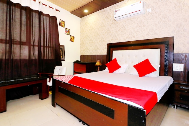 OYO 8834 Hotel Mehak