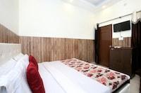 OYO 12163 Hotel Aaryan