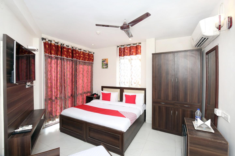 OYO 8664 Hotel 1st Choice -1