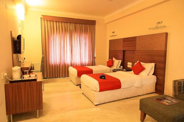 OYO 1199 Hotel Maharaja Residency