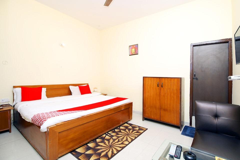OYO 8670 Hotel Usha Palace