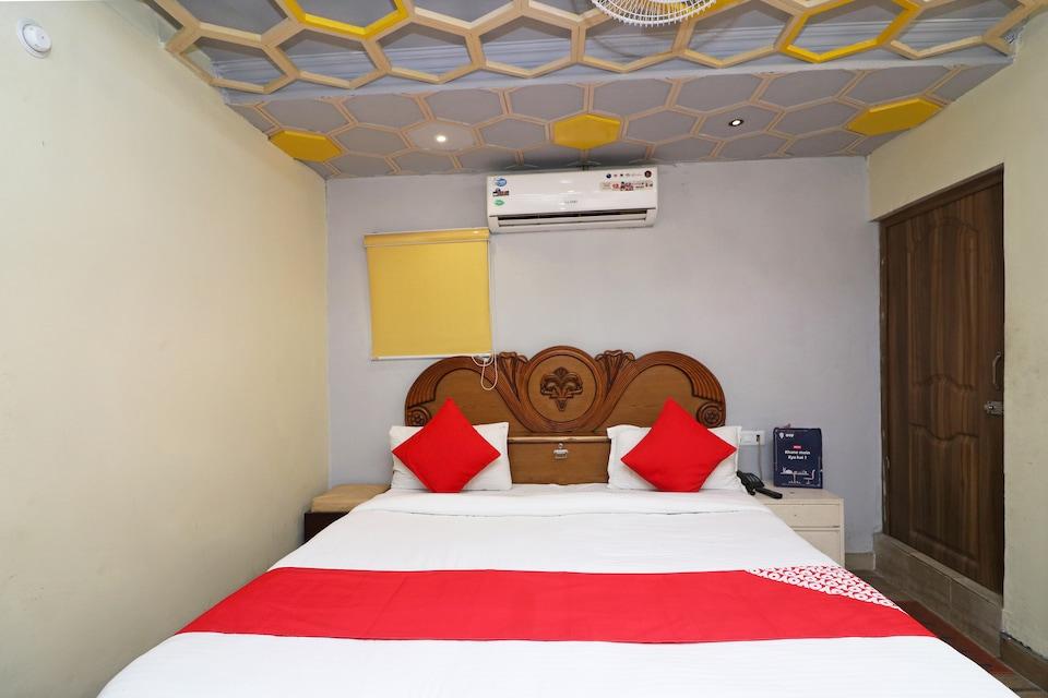 OYO 8672 Hotel Friends, Tikonia Haldwani, Haldwani