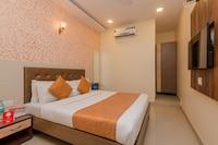 OYO 8678 Hotel Golden Nest