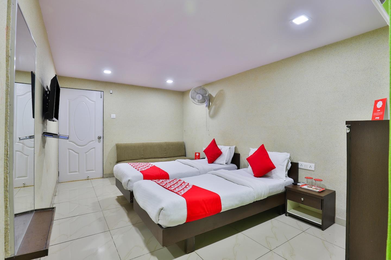 OYO 8692 Hotel Vibrant Regency -1