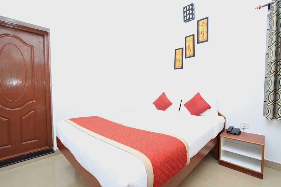OYO 8707 Stay Bliss Residency